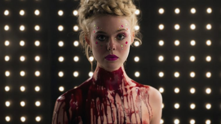 Elle Fanning é uma garota perigosa no trailer de The Neon Demon