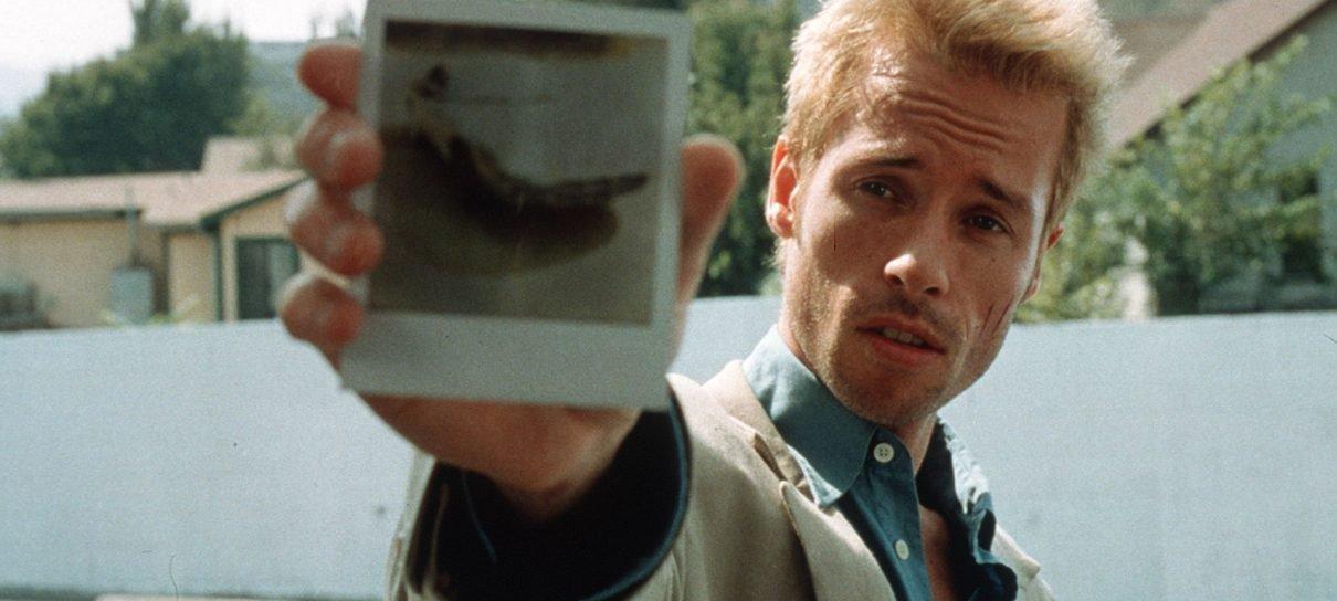Alguém esqueceu que Memento não é tão antigo e decidiu fazer um ...