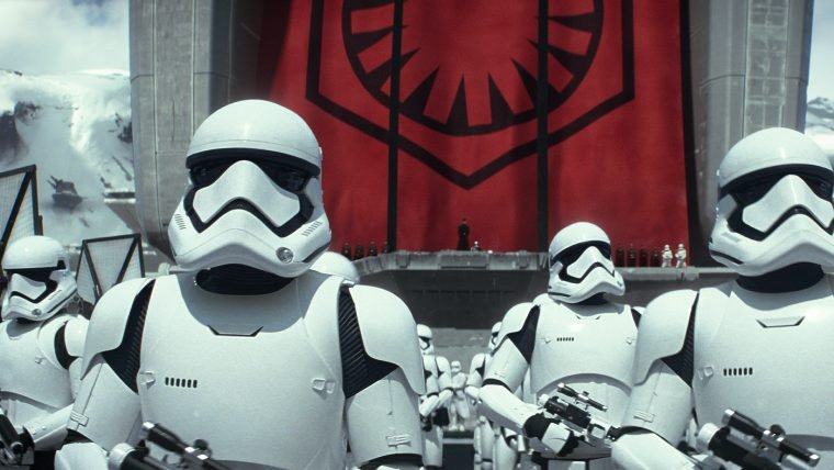Daniel Craig fez uma ponta em Star Wars: O Despertar da Força
